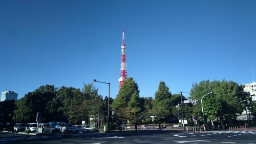 10/13朝の御成門交差点にて